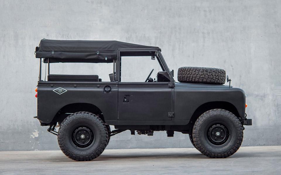 Coolnvintage Land Rover Defender
