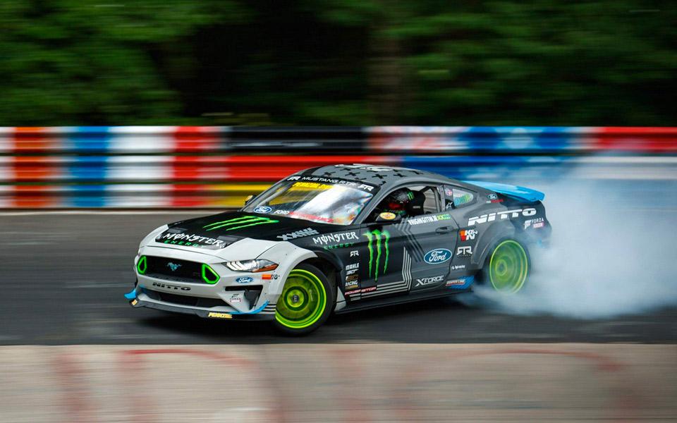 Ford Mustang RTR er den første bil til at drifte en hel omgang på Nürburgring