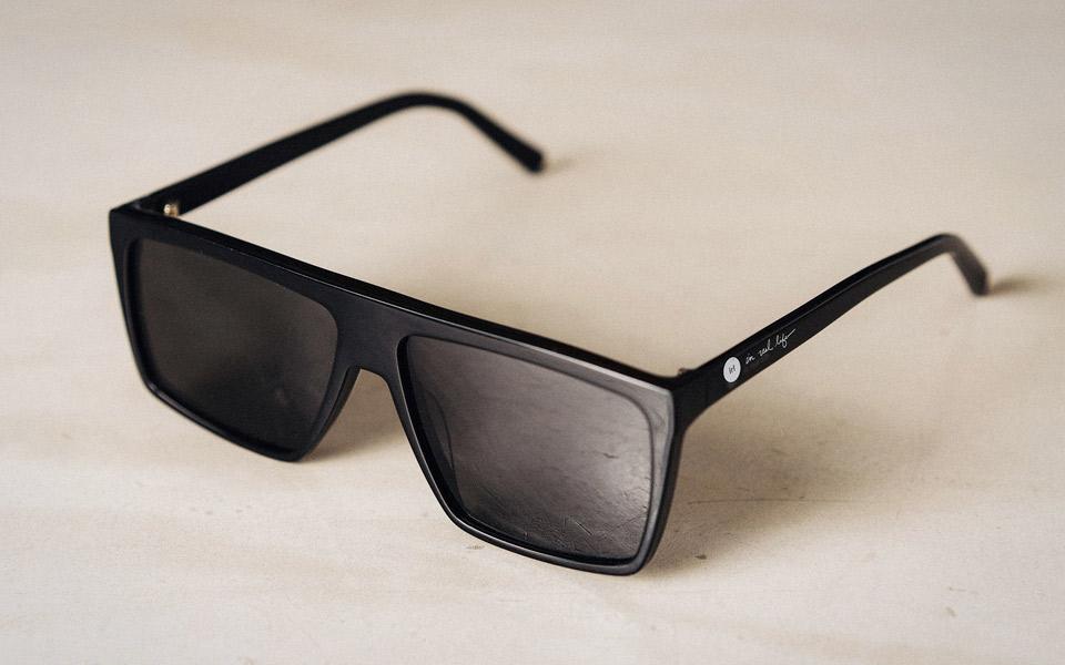 IRL Glasses blokerer alle skærme