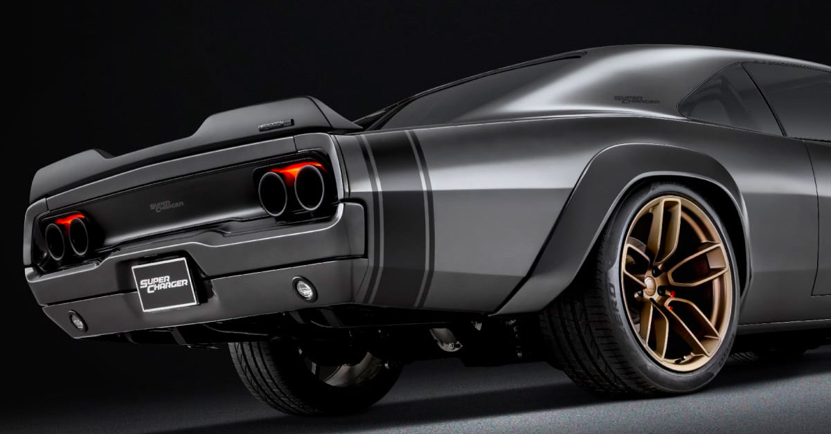 Dodge Debuts 1 000 Hp Hellephant At Sema Most Powerful Oem Crate