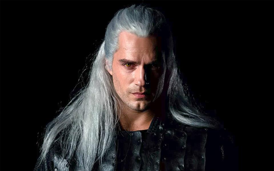 Netflix afslører første kig på Henry Cavill som The Witchers Geralt