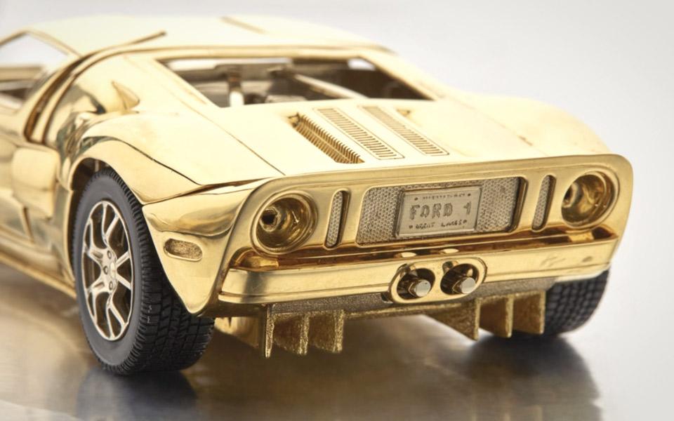 Sotheby's sælger en Ford GT af 18 karat guld