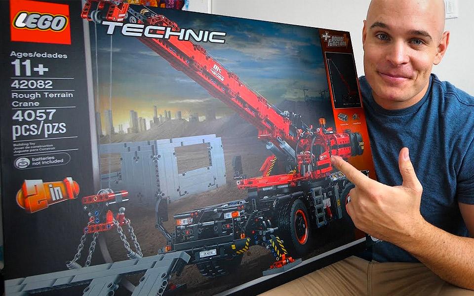 Det tager 17 timer at samle verdens største LEGO Technic kran