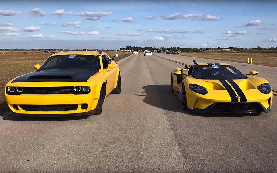 Hvem vinder et dragrace mellem Dodge Demon og Ford GT?