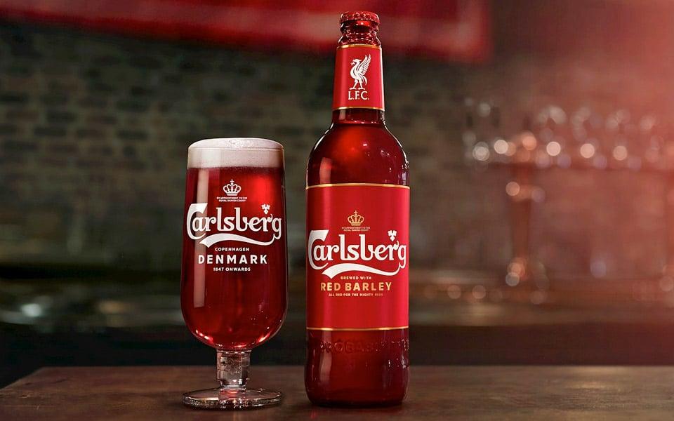 Carlsbergs nye specialdesignede røde øl er til alle Liverpool-fans