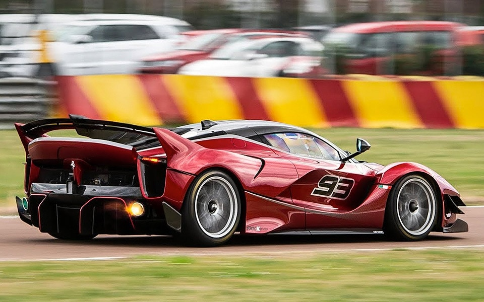 Nyd synet og lyden, når en Ferrari FXX K Evo drøner rundt på Fiorano-banen
