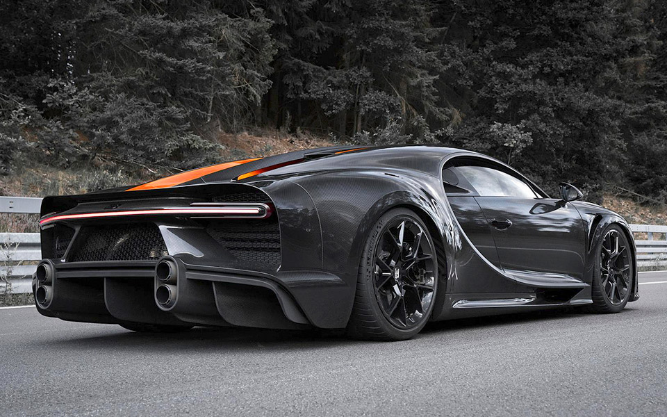 Bugatti Chiron bryder 300 MPH-barrieren