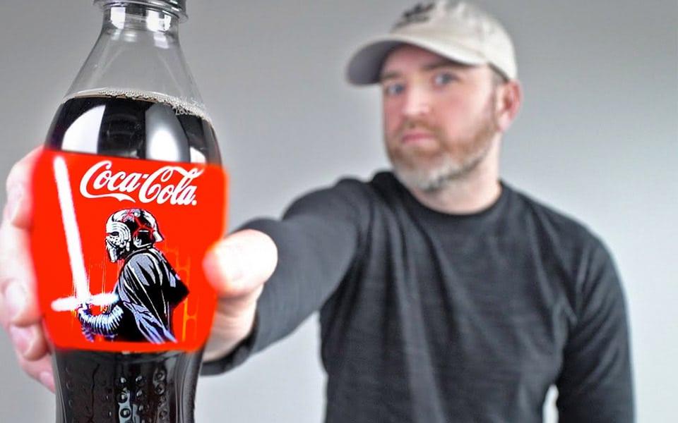 Et nærmere kig på Coca-Colas flasker med OLED-lyssværd