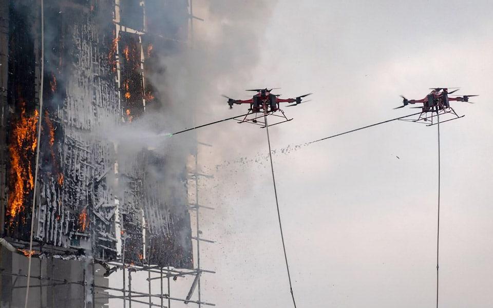 Nu slukker droner også ildebrande