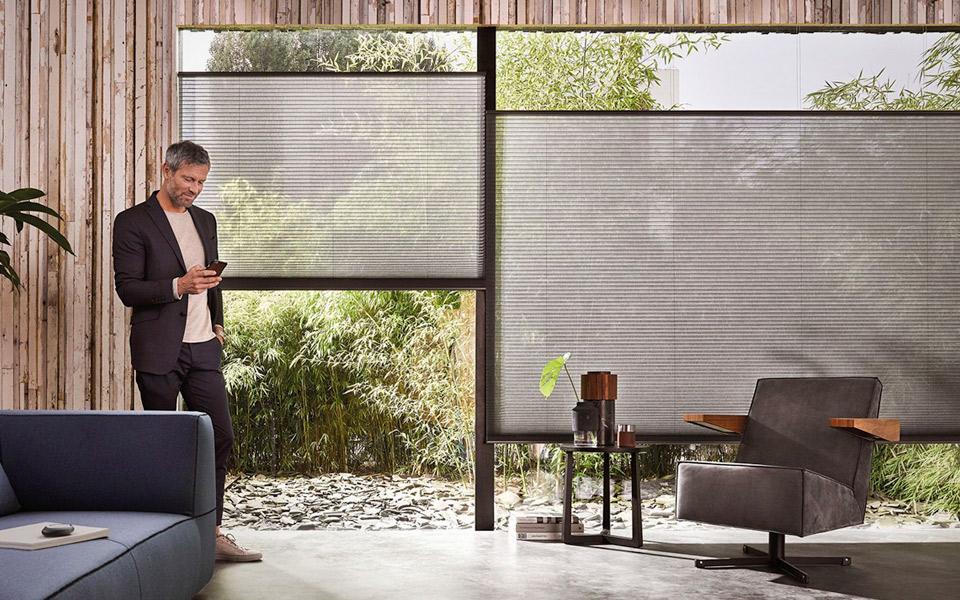 De smarte gardiner fra Luxaflex er genialt lir til gadgetmanden