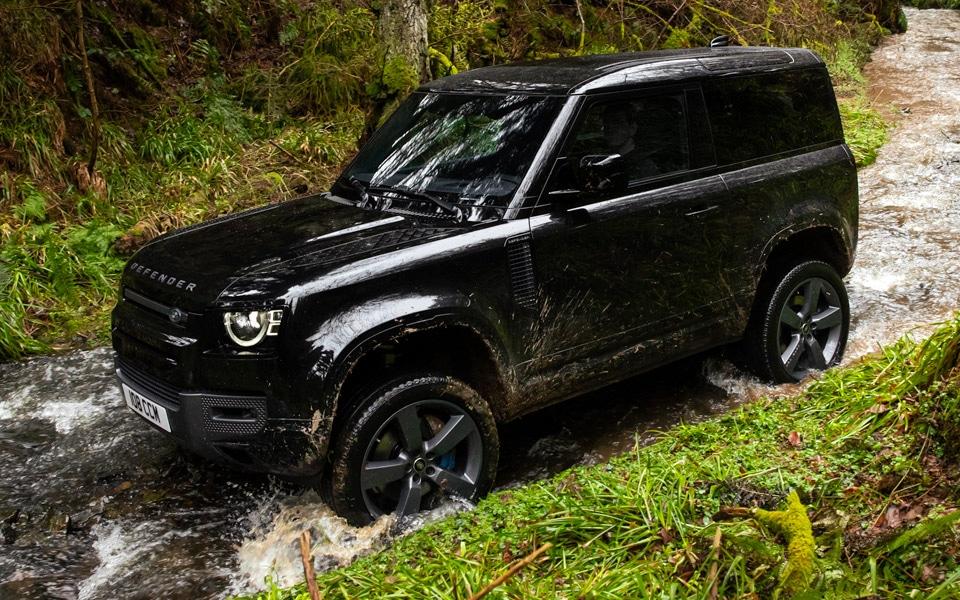 Den nye Land Rover Defender har fået V8-motor